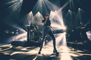 Lauren Maybery of CHVRCHES singing on tour. CHVRCHES new album Every Eye Open.
