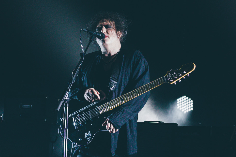 The Cure Live 2016 inside the Chelsea Ballroom Las Vegas. Cosmopolitan Las Vegas Concert Venue. Robert Smith live with the Cure.